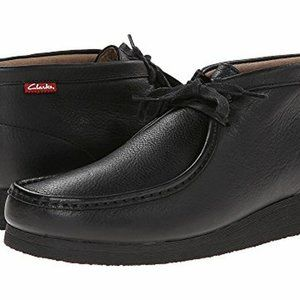 CLARKS MEN LEATHER BOOTS (NEW SIZE 9.5)